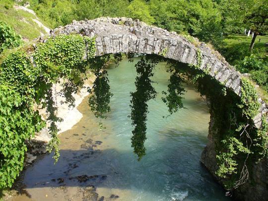 Мост царицы Томары