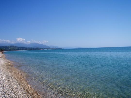 Гудаута, пляж в сентябре