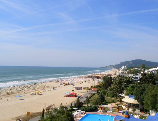 Вид на пляж Албены