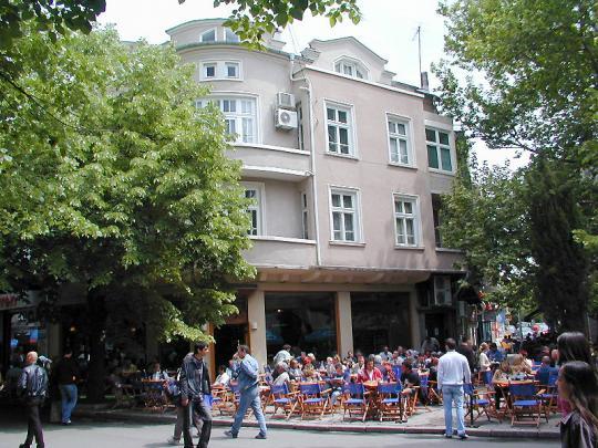 Уличное кафе в Бургасе