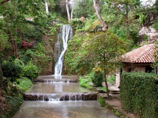 Балчик, дворец королевы Марии - водопад