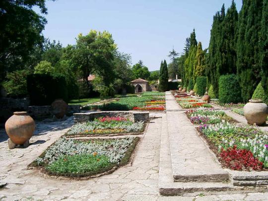 Дворец королевы Марии - парк, Балчик