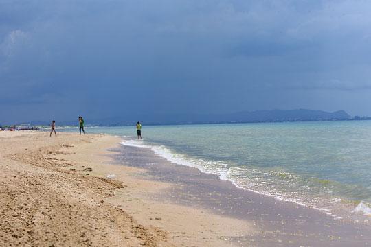 А в Анапе дождь идет...