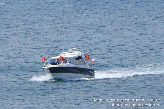 По морю на катере