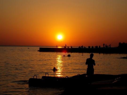 Закат на пляже Дагомыс