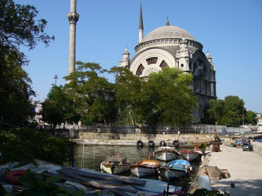 Мечеть на берегу Босфора