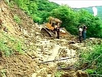 Наводнения, оползни и град терроризируют Грузию