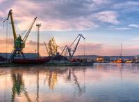 Крупнейшему крымскому порту запретили работать