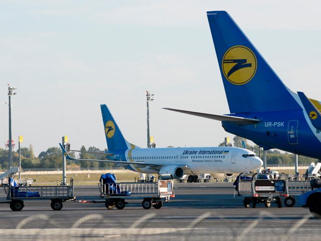 Авиасообщение между Россией и Украиной прекратилось