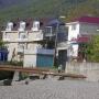 Домик у моря: Вид на дом с моря