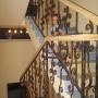 Страна Магнолий: Лестница в отеле